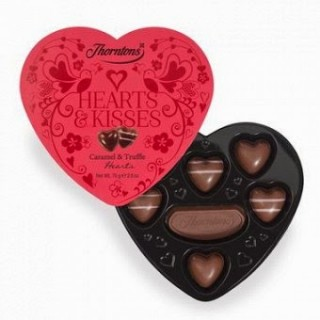 thorntons-chocolate-hearts-andamp-kisses-heart-shaped-chocolate-box